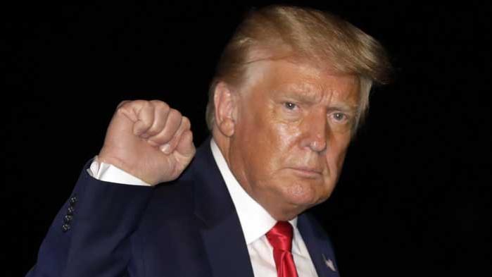 Минимум $446 милиона са доходите на Тръмп през 2019 година