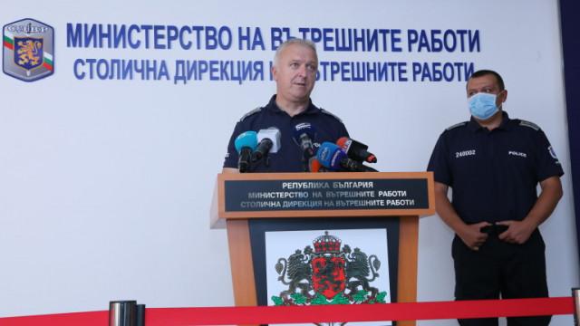 Полицията намалява ресурса си на протестите заради заразени с коронавирус