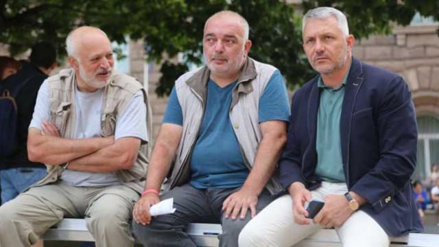 Очаквано: Бащата на фейк новините Бабикян обвини Борисов, че е набил Инджова и майките