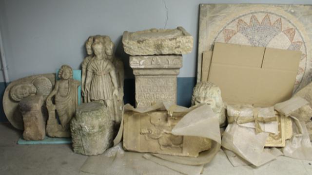 Общо 5934 артефакта са конфискувани от Божков