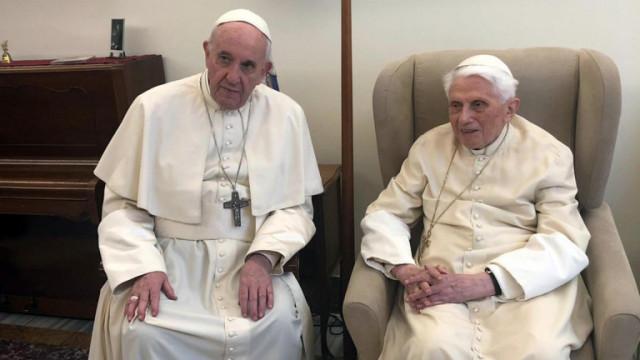 Ватиканът: Състоянието на Бенедикт не е сероизно