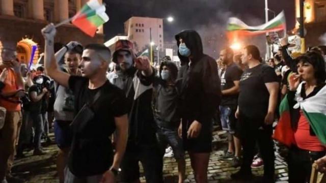 18-годишен протестър обяви, че ще прави партия