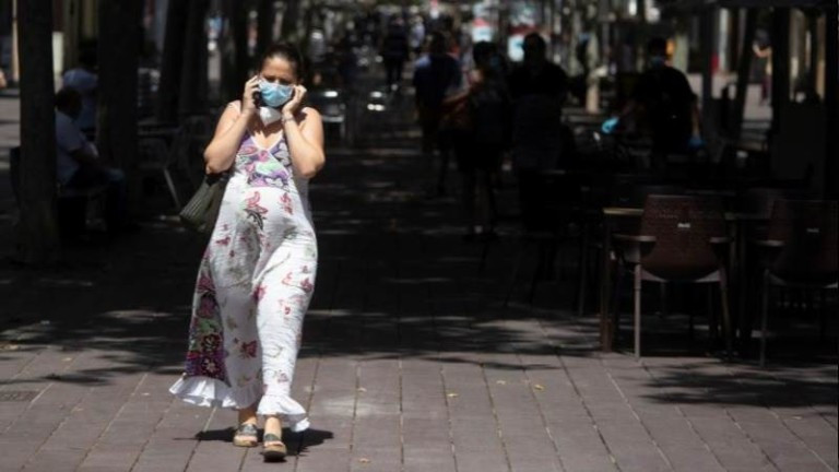 Испания с над 8 320 случая само за уикенда