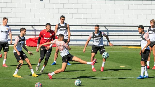 Тебас: Ла Лига може да рестартира сезона с дербито на Севиля