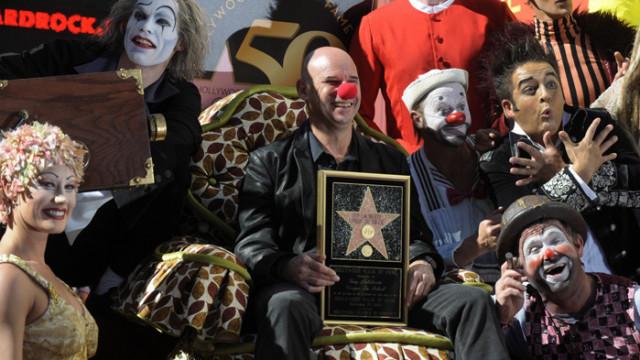 Създателят на Cirque du Soleil иска да го изкупи обратно