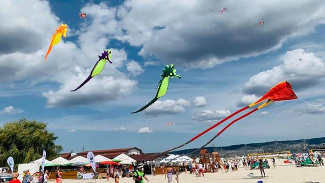 Фестивалът на хвърчилата отново гостува на плажа в Аспарухово