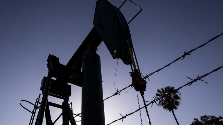 Цената на петрола сорт Брент превъзмогна загубите от март