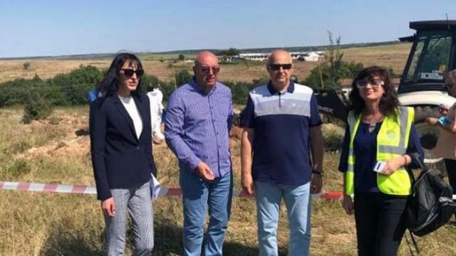 Близо 23 тона пестициди са открити в землището на Червен бряг