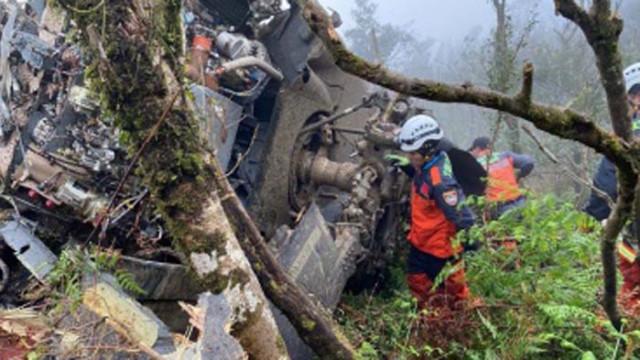 Катастрофиралият индийски самолет паднал от склон