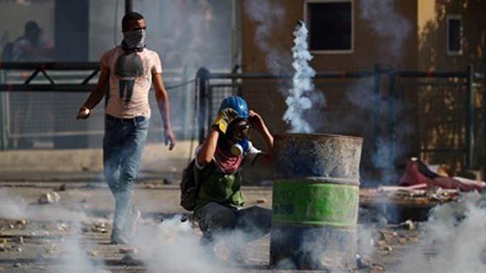 Разпръснаха със сълзотворен газ протестиращи в Бейрут