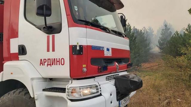 Военните на помощ за потушаването на пожарите в Хасковско (СНИМКИ)