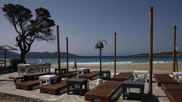 Гърция въвежда вечерен час за барове и ресторанти