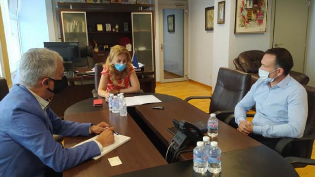 """Марияна Николова проведе работна среща с представителя на немския туроператор """"Дер Туристик"""""""