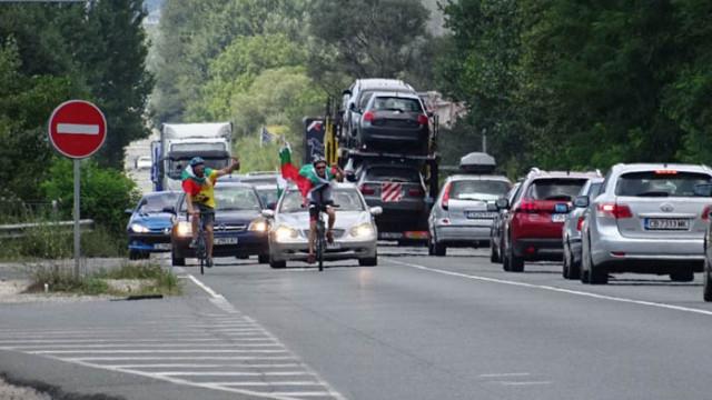 """Протестно автошествие предизвика километрично задръстване по АМ """"Тракия"""""""