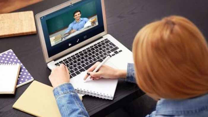Над 1000 родители подкрепят варианта децата им да учат и виртуално