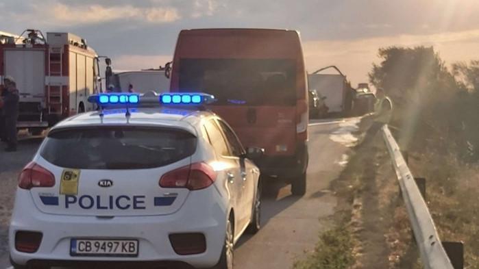 """Две катастрофи образуваха задръстване на АМ """"Тракия"""" край Пазарджик"""