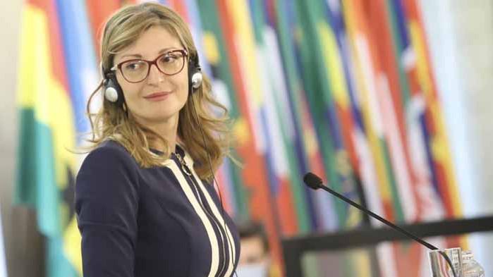 Захариева: Отговорни сме – подаваме ръка за конституционни промени и ВНС
