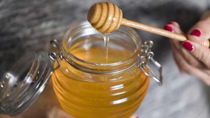 Медът е по-ефективен от лекарствата за кашлица и гърло